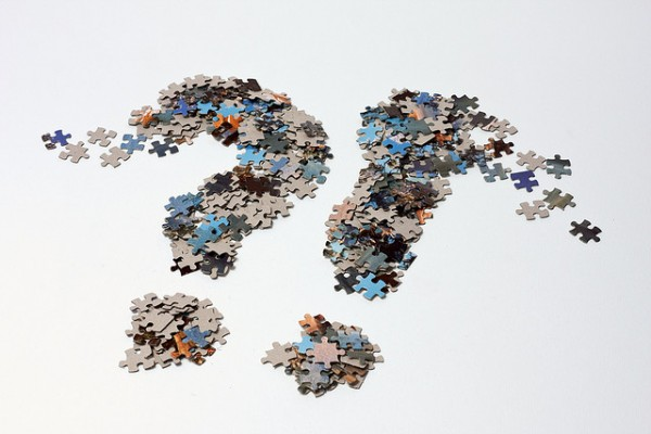 """""""A question and exclamation mark of jigsaw puzzle pieces"""", Horia Varlan (CC BY 2.0)"""