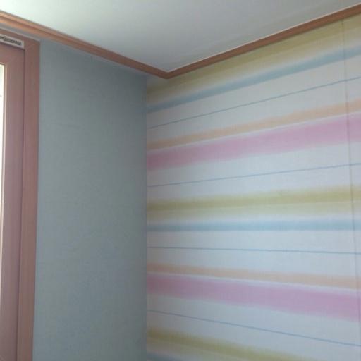 아이 방 포인트벽지는 잘 고른 듯. 사진보다 더 잘 나왔다